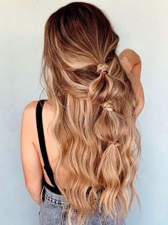 Simple Knotted Half Up Bubble Braid Loose Hairstyles, Pretty Hairstyles, Weird Hairstyles, Messy Braided Hairstyles, Formal Hairstyles, Straight Hairstyles, Wedding Hairstyles, Medium Hair Styles, Curly Hair Styles