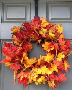Super Easy DIY Autumn Leaf Wreath Tutorial-this is the easiest craft idea ever! Perfect addition to my porch decor! : Super Easy DIY Autumn Leaf Wreath Tutorial-this is the easiest craft idea ever! Perfect addition to my porch decor! Easy Fall Wreaths, Diy Fall Wreath, Fall Diy, How To Make Wreaths, Yarn Wreaths, Mesh Wreaths, Tulle Wreath, Winter Wreaths, Floral Wreaths