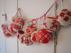 Christmas ball patterns are from the book Julekuler by Arne & Carlos, Norwegian knitwear designers
