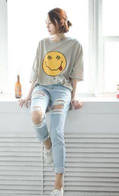 Fashion Clothes Women Jeans New Ideas K Fashion, Korea Fashion, Asian Fashion, Fashion Outfits, Fashion Clothes, Korean Fashion Trends, Korean Street Fashion, Fashion Magazin, Korean Outfits
