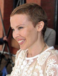 """Kylie Minogue, la chanteuse a souffert d'un cancer du sein en 2005. Aujourd'hui guérie, elle se décrit comme une """"survivante"""". ©Abaca"""