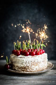 Rustic Cherry cake on wooden background - Rustic Cherry cake on wooden background Happy Birthday Cake Images, Happy Birthday Wishes Images, Happy Birthday Video, Happy Birthday Celebration, Happy Birthday Greetings, 30th Birthday, Happy Bday Cake, Happy 30th, Cupcakes