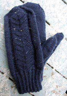 Ravelry: Karahka pattern by Eeva Saviranta Knitting Socks, Knit Socks, Mittens, Ravelry, Gloves, Winter, Pattern, Accessories, Fingerless Mittens