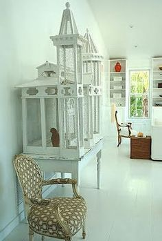 Fabulous birdcage, from the house of India Hicks. This photo from her book Island Life Diy Bird Cage, Antique Bird Cages, Bird Aviary, Interior Decorating, Interior Design, Design Art, Pet Furniture, Budgies, Beautiful Birds