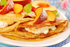 What have Want something a little different for breakfast this week? Try these simple Peach Ricotta Crepes!