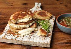αλμυρές τηγανίτες Greek Recipes, Baby Food Recipes, Cooking Recipes, Cookie Dough Pie, Time To Eat, Food Categories, Falafel, Feta, Camembert Cheese