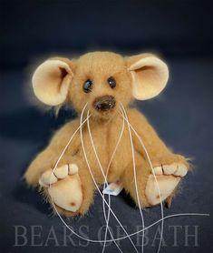 Nutmeg a 5.5 inch Artist Mouse Bear by Bears of Bath #BearsofBath Black Glass, Teddy Bear, Bath, Artist, Animals, Bathing, Animales, Animaux, Artists