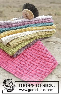 "Waffle Love - Strikket DROPS klut i ""Cotton Light"" med strukturmønster. - Free pattern by DROPS Design"
