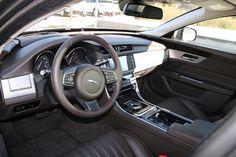 Jaguar #XF 2016 #Lenkrad *Verbrauchs- und Emissionswerte F-TYPE, XE, XF, XJ, XK, inklusive R-Modelle: Kraftstoffverbrauch im kombinierten Testzyklus (NEFZ): 12,3 – 3,8 l/100km. CO2-Emissionen im kombinierten Testzyklus: 297 – 99 g/km.