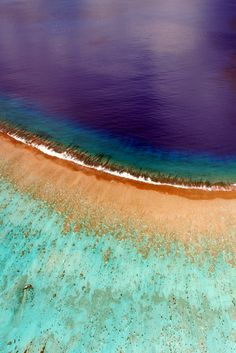 Fantastic aerial view of Bora Bora' s coral reef!