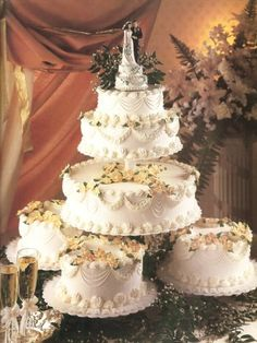 ideas for wedding cake stands | macro lace wedding black and yellow centerpieces for wedding gothic ...
