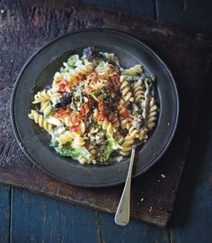 Broccoli-pasta-with-parma-ham-breadcrumbs