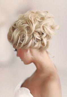 The updo is the quintessential wedding day hairstyle for the modern bride. There are as many styles as there are ways to wear each style. Do you love tousled and romantic curls? Braids? Sleek and polished buns? Messy – chic chignons? Or how about vintage pin curls? Here are a round-up of some of our …