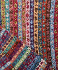 Billedresultat for fair isle mønstre Fair Isle Knitting Patterns, Fair Isle Pattern, Knitting Charts, Knitting Designs, Hand Knitting, Fair Isle Chart, Norwegian Knitting, Fair Isles, Yarn Inspiration