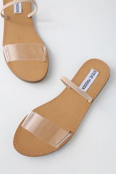 Physical activities footwear perfect for weekend excursions and trekking holidays, our girls' walking footwear. Nude Sandals, Sport Sandals, Strap Sandals, Women Sandals, Shoes Women, Cute Shoes, Me Too Shoes, Mode Instagram, Clearance Shoes