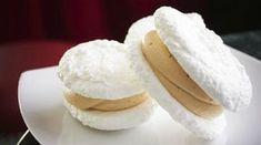 "Earhart announced ""laskonky"" :-* Czech Desserts, Köstliche Desserts, Delicious Desserts, Yummy Food, Slovakian Food, Czech Recipes, Mini Cheesecakes, Christmas Cooking, Pavlova"