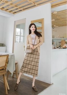 Discover recipes, home ideas, style inspiration and other ideas to try. Long Skirt Fashion, Korean Fashion Dress, Korean Dress, Korean Street Fashion, Ulzzang Fashion, Korea Fashion, Asian Fashion, Korean Ootd, Korean Fashion Casual