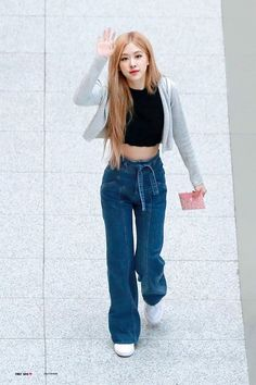 Blackpink Fashion, Daily Fashion, Korean Fashion, Fashion Outfits, Dance Pants, Jennie Blackpink, Girl Crushes, Jeans, Cool Outfits