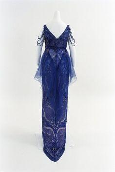 Douillet evening dress ca. 1915 From the Bunka Gakuen Costume Museum