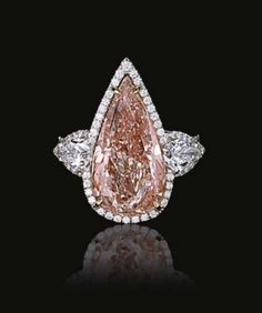 pink pear-shaped diamond