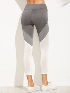 Legging Lovers Subscription sends you Leggings and a top every month!