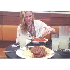 Good food good company  #food #foodporn #beach #feed #steak #pub  #phone #iphone #iphoneonly #iphoneography #summer #mountains #australia #sydney #travel #fitness #like4like #likeforlike #insta #instagood #instadaily #instamood #instalike #followme #followforfollow #photooftheday #motivation #health by jjbamford