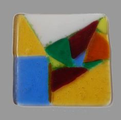A nice tile by Karin with a edges created with frit around some of the shapes.