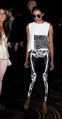 Skeleton Leggings ~Na~ Done right, nice.