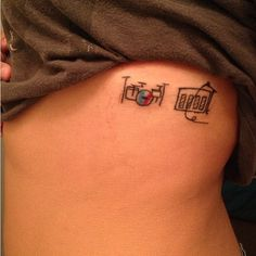 I like her twenty one pilots tattoo....like allot I want it