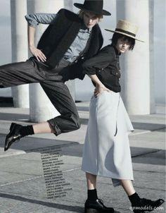 Molly Smith & Sanne Vloet for Elle France (December 2013) - http://qpmodels.com/european-models/molly-smith/4906-molly-smith-sanne-vloet-for-elle-france-december-2013.html