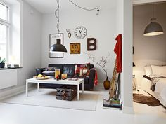 <3- I look at this and i think how cool for a teenagers room...  Inspirations for the future.