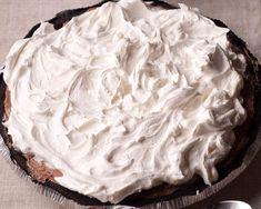 No Bake Double Chocolate Cream Pie with Oreo Crust No Bake Oreo Dessert, No Bake Chocolate Desserts, Cool Whip Desserts, Chocolate Pie Recipes, Cream Cheese Desserts, Chocolate Pies, Chocolate Shavings, Chocolate Cream, Pie Dessert