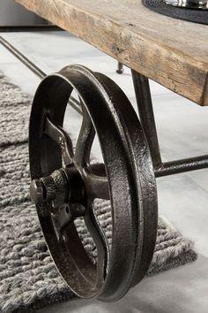Stolik idustrialny debowy ze starego drewna
