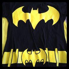 Batman cape! Women's batman shirt with a velcro cape! Says XL but could fit a medium. Tops Tees - Short Sleeve