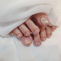 Gorgeous Nails, Pretty Nails, Nail Polish Crafts, Nail Jewelry, Pedicure Nail Art, Feet Nails, Minimalist Nails, Gel Nail Designs, Nude Nails