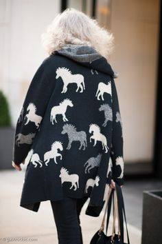 Black and White Print Sweater, Madison Avenue #streetstyle #fashion | Gastro Chic