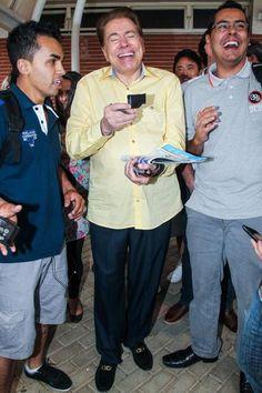 Silvio Santos brinca ao encontrar o humorista Ceará