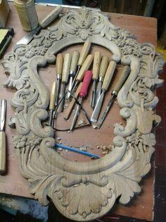 Specchio  in legño  noce