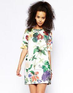 ASOS - Robe t-shirt à imprimé botanique texturé