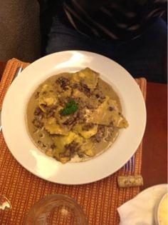 La Pasta Gialla é uma das casas do prestigiado Chef Sergio Arno. Curitiba/ PR - Brasil www.viajandocomsabor.com.br