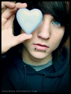 my friends and I used to crush on hot Emo Boys with piercings and gauges. Cute Emo Guys, Hot Emo Boys, Emo Girls, Cute Boys, Hot Guys, Alex Evans, Emo Hairstyles For Guys, Boy Hairstyles, Hipster Hairstyles