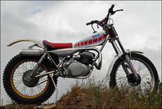Yamaha TL 250 Trials bike, as ridden by Mick Andrews, World Trials Champion Enduro Vintage, Vintage Bikes, Vintage Motorcycles, Cars And Motorcycles, Motos Trial, Trail Motorcycle, Trial Bike, Bike Rider, Mode Of Transport