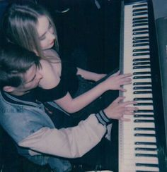 w/ corey fogelmanis Sabrina Carpenter, Relationship Goals Pictures, Cute Relationships, Cute Couples Goals, Couple Goals, Corey Fogelmanis, The Love Club, Playing Piano, Couple Aesthetic