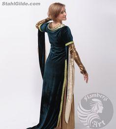 Womens robe (costume)  -À la main  -Tissu : coton, velours    Womens robe « Lady Velvet ».    La robe est faite dans le style de la fin gothique et