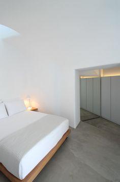 Villa Anemolia: A Little Piece of Santorini Paradise in architecture  Category