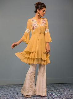 Picture of Mellow yellow Pakistani Fashion Casual, Pakistani Dresses Casual, Pakistani Dress Design, Indian Dresses, Indian Fashion, Pakistani Street Style, Stylish Dress Designs, Stylish Dresses, Casual Dresses