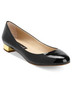i love this heel hight and and shape for this fall! Pump Shoes, Pumps, Metallic Flats, Steve Madden Shoes, Low Heels, Me Too Shoes, Casual Wear, Patent Leather, Kitten Heels