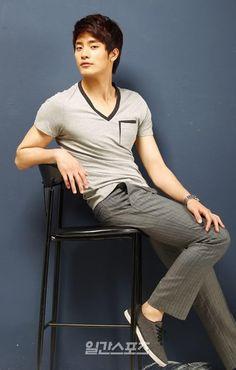 Sung Hoon, Hot Hunks, Korean Actors, I Movie, Dj, Singing, Normcore, Guys, My Love