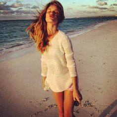 Model Rosie Huntington-Whiteley strikes perfect poses to share with her fans. #instagram #celebrity #beach #model