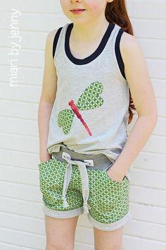 CARMELITA, Racerback Shirt & Kleid, Kreativ-Ebook - farbenmix Online-Shop - Schnittmuster, Anleitungen zum Nähen http://www.farbenmix.de/shop/Neues/CARMELITA-Racerback-Shirt-Kleid-Kreativ-Ebook::12540.html